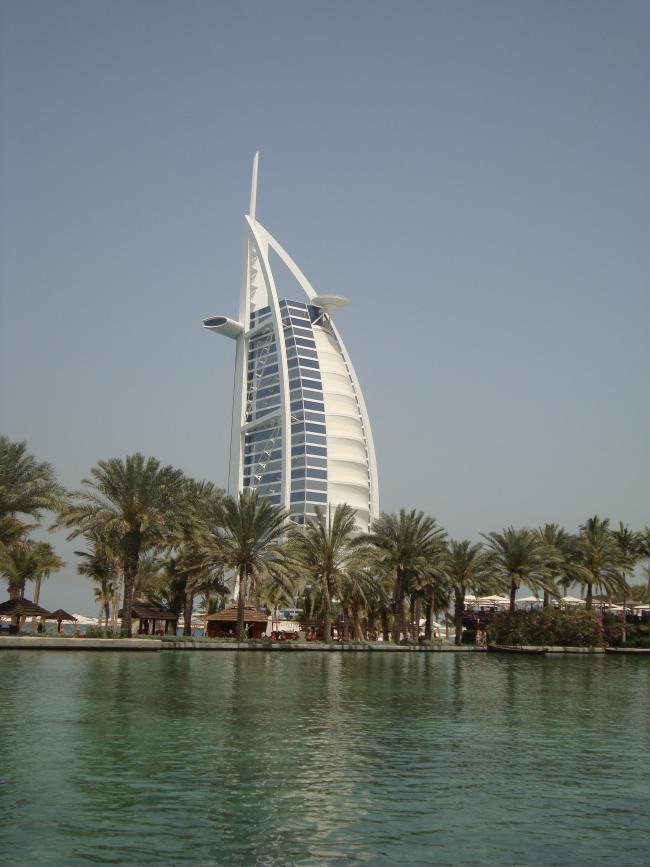 Το Burj al Arab, γνωστό για το σχήμα του!