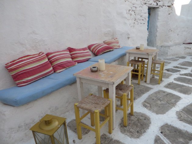 Beautiful place for coffee or drinks opposite Paraportiani church!