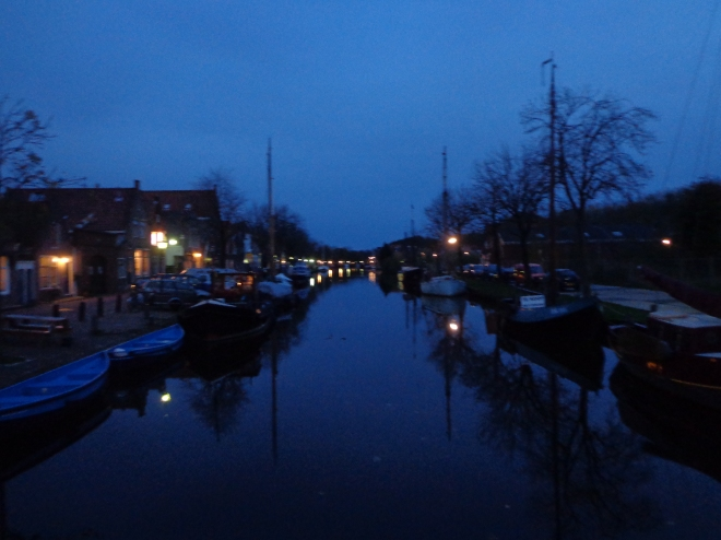 Enjoy the silence and the night in Edam